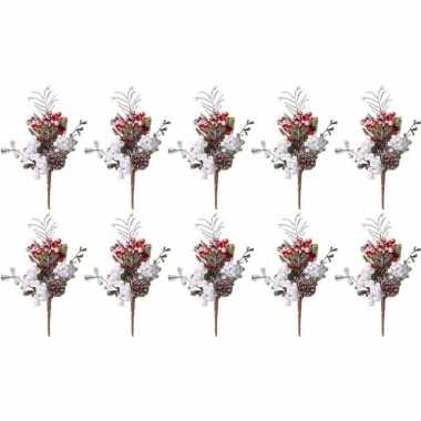 10x kerststukje instekertjes met bessen en sneeuw 20 cm