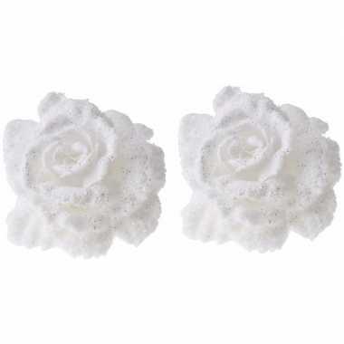 2x kerstboomdecoratie witte roos met glitters en sneeuw 10 cm