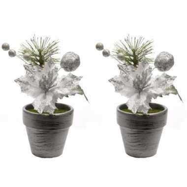 2x kerstster zilver fluweel in pot 16 cm