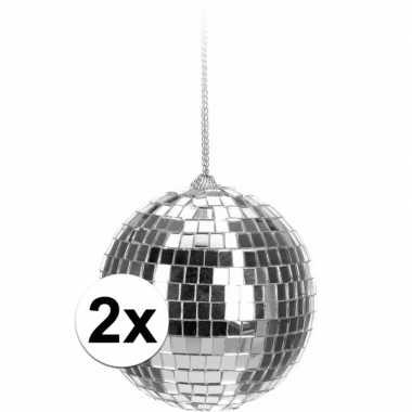 2x zilveren disco kerstballen 6 cm
