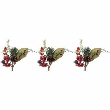 3x kerststukje instekertjes met bessen groen/rood 20 cm