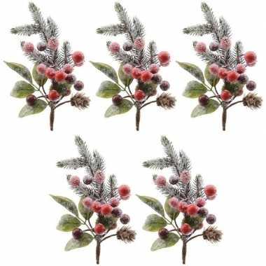 5x kerststukje instekertjes met bessen en sneeuw groen/rood 20 cm