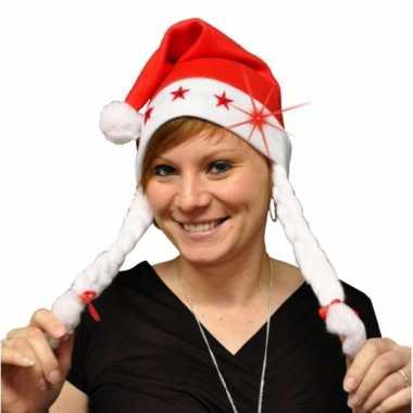 8x stuks kerstmutsen met vlechtjes en lichtjes