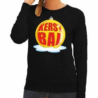 Foute feest kerst sweater met gele kerstbal op zwarte sweater voor da