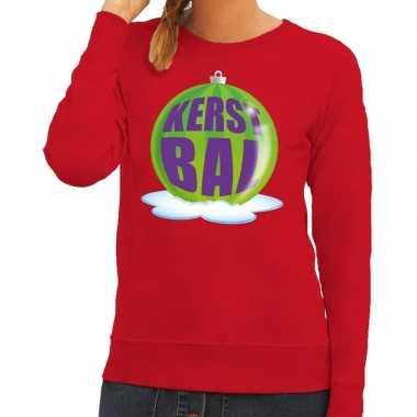 Foute feest kerst sweater met groene kerstbal op rode sweater voor da
