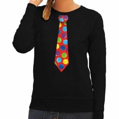 Foute kerst sweater met kerstballen stropdas zwart voor dames