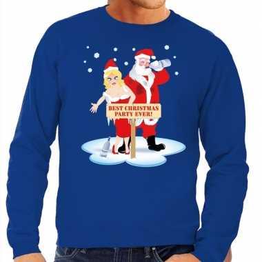 Foute kersttrui blauw met een dronken kerstman en zijn vrouw voor her