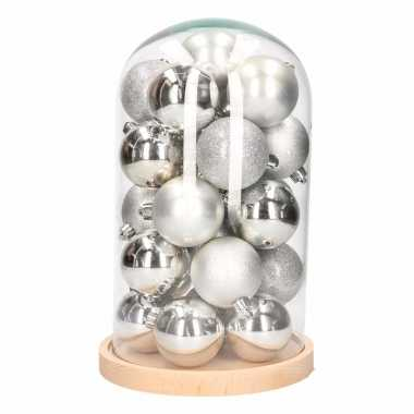 Glazen stolp met zilveren kerstballen set