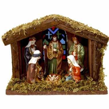 Houten kerststal met verlichting en figuren