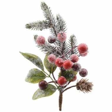 Kerststukje instekertjes met bessen en sneeuw groen/rood 20 cm