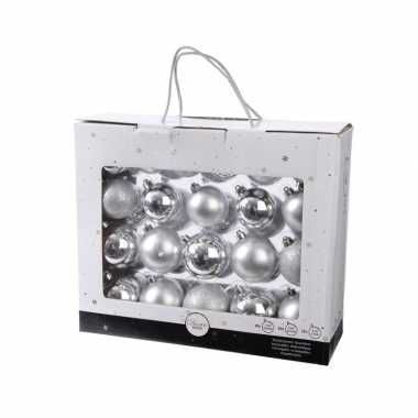 Kunststof kerstballen mix zilver 42 delig glimmend en glitter