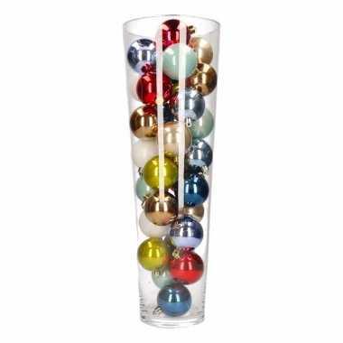 Vensterbank decoratie vaas met kerstballen in diverse kleuren