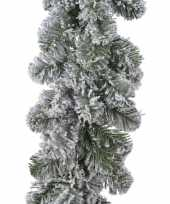 1x groene dennenslinger kerstslingers met sneeuw 270 cm
