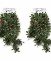 2x kerst guirlandes groen met rode versiering 270 cm dennenslinger versiering decoratie