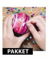 5x piepschuim kerstballen maken met pailletten 7 cm