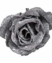 Kerst decoratie roos op clip zilver glitter 9 cm