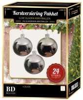 Zilveren kerstversiering kerstballen 24 delig 6 en 8 cm